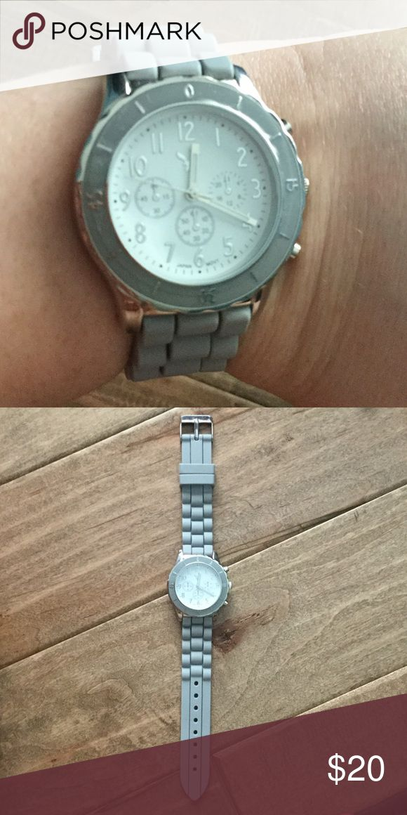 🌟HP🌟 NWOT (never worn) grey American Eagle watch NWOT (never worn) grey American Eagle watch. Still has plastic cover, but needs battery American Eagle Outfitters Accessories Watches