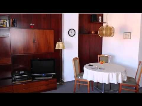 Fürstenhof Apartment Wismar - Wismar - Visit http://germanhotelstv.com/fa1-4rstenhof-apartment-wismar Featuring a roof terrace Fürstenhof Apartment Wismar is situated in the picturesque town of Wismar. The apartment is a 15-minute walk from the harbour. -http://youtu.be/qZP0LaMwdic