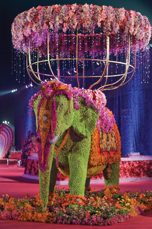 Wedding flower idea: life-size elephant