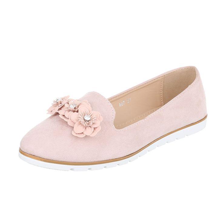 12,99 € - Klassische Ballerinas für Damen. Diese flachen Schuhe punkten mit einem Obermaterial aus geschmeidigem Wildlederimitat und Blütenapplikation mit Strasssteinen auf der Kappe.