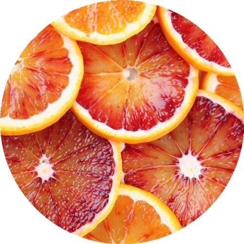 🍊Orange oils is a wonderful parfum d'ambiance, ideal for use in the house. Its influence on mood is positive and joyful; it harmonizes feelings and awakens creativity.   Orange Blood Essential Oil 〰 Living Libations  #Citrus #sinensis #Rutaceae #organic #natural #vegan #livinglibations #dutchhealthstore