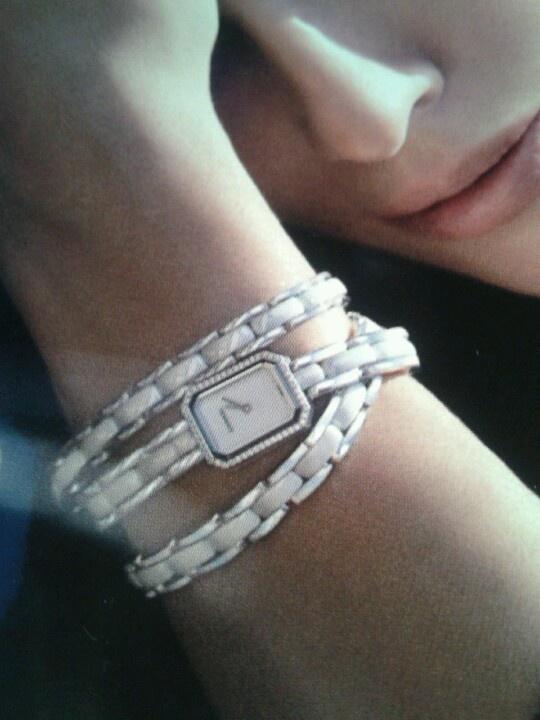 Envie... D un prince charmant qui m offrirait une montre Chanel...