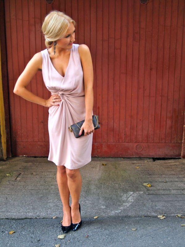 Glammed up for a wedding. Wearing Designer's Remix by Charlotte Eskildsen, Aldo pumps and Louis Vuitton clutch