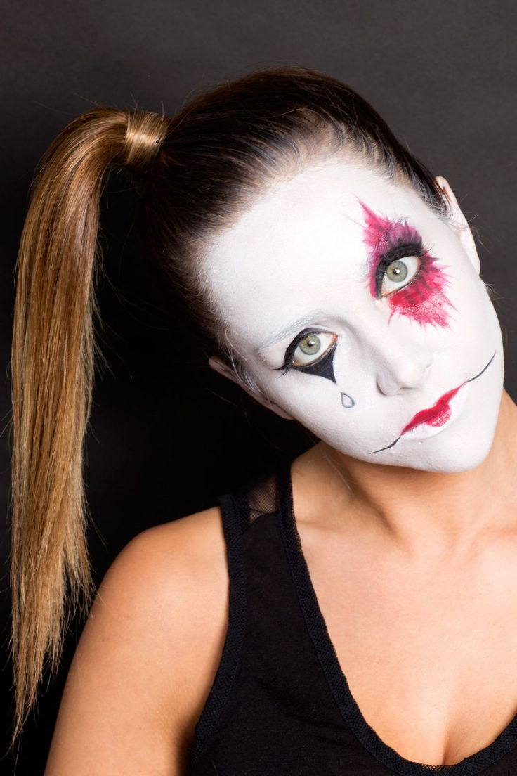 6 No-Clothes-Required Halloween Costumes #refinery29  http://www.refinery29.com/2015/09/76644/halloween-makeup-ideas#slide-38  American Horror Story: Freak Show  Everyone's favorite freaky television show also doubles as a crazy-cool outfit. Who doesn't love some good harlequin makeup?...