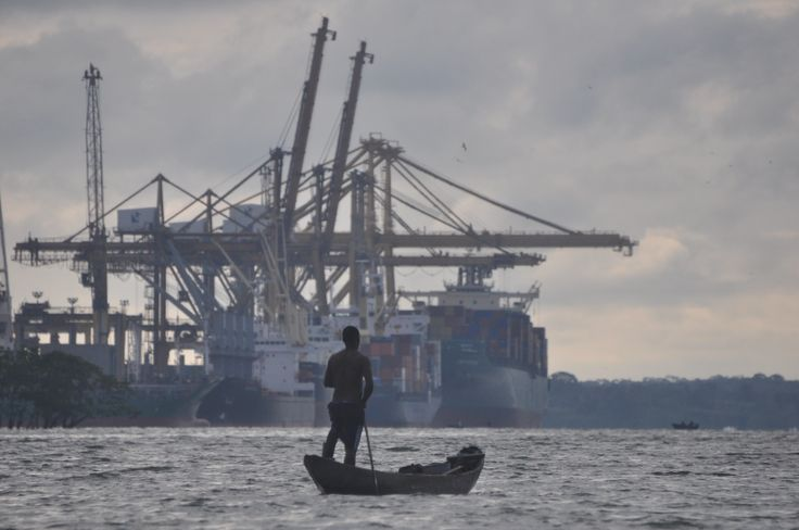 Bahía Puerto de buenaventura-industrialización desplazando sociedades.