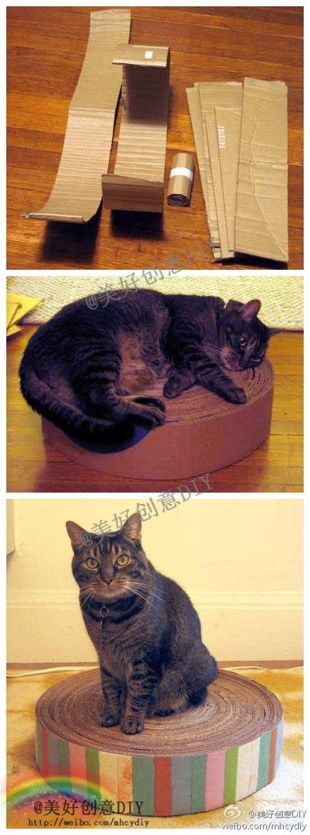 Cardboard cat scratcher DIY