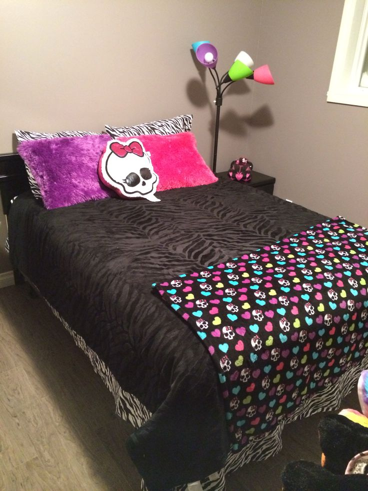 42 best images about MONSTER HIGH BEDROOM on Pinterest | Furniture ...