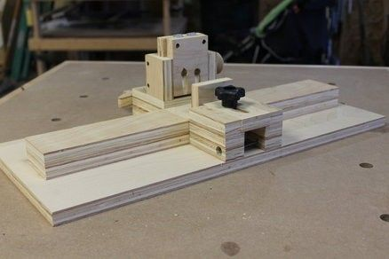 Pocket Hole Jig by ShopBuilt -- Homemade pocket hole jig patterned after the Kreg K5 unit. Features an adjustable clamp to accommodate a range of thicknesses, a guide block, and a dust collection port. http://www.homemadetools.net/homemade-pocket-hole-jig-4