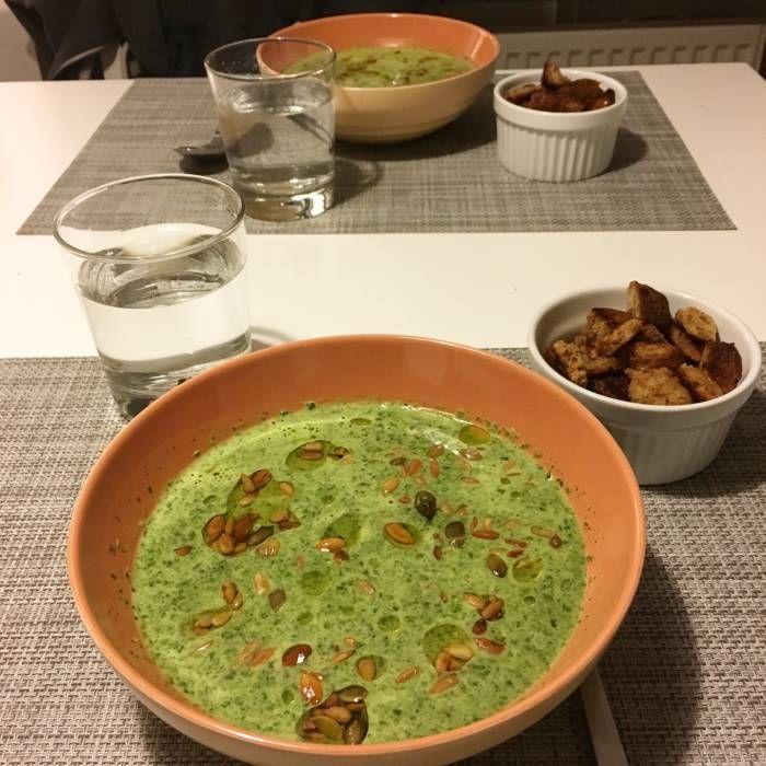 Grönkålssoppa med krutonger