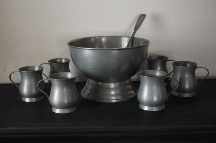 Pewter Punch Bowl Set...wish I had this for the wedding.
