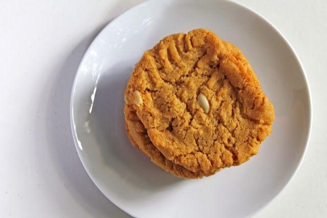 Ketunhäntä keittiössä: 5 (or 6) -ingredient PB cookies - 5 (tai 6) aineksen maapähkinävoikeksit