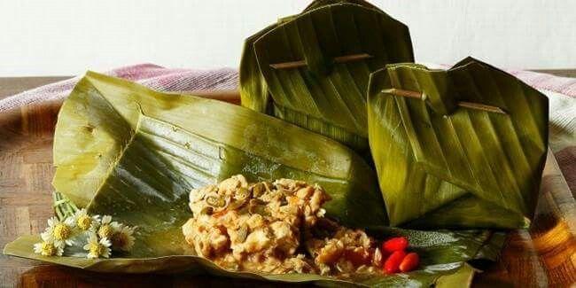 Botok Lamtoro Campur Tempe   Bahan  250 gram biji lamtoro (pilih yang masih…