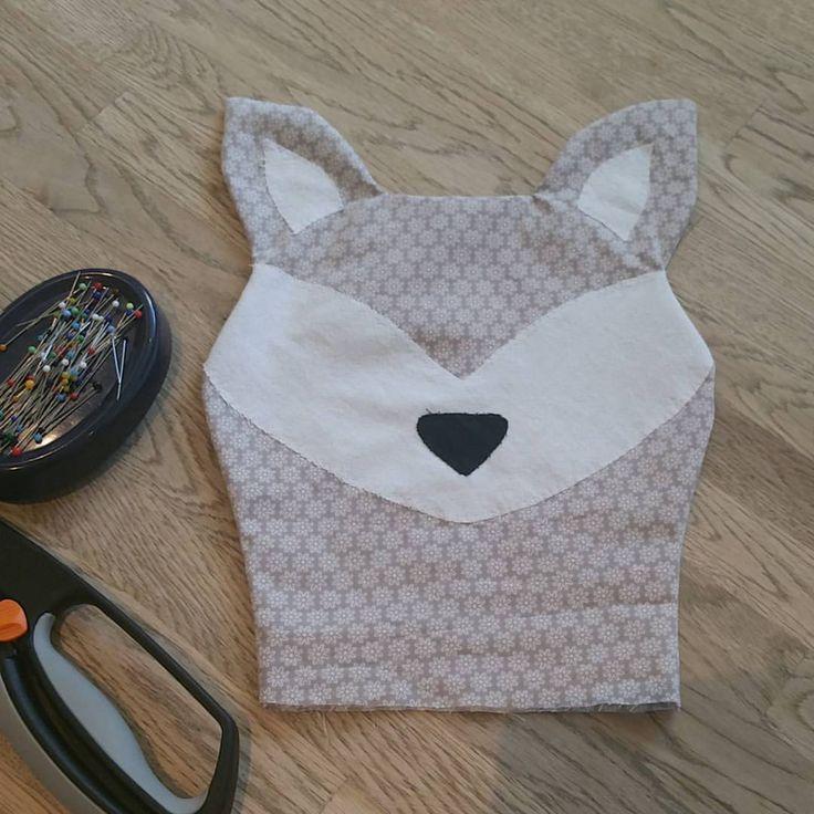 Dagens pyssel ✂ #sovräv #inprogress #MilWidesign #hemmasytt #handmade #fox #räv #sovorm - milwidesign