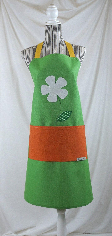 Apron handmade, gift for her, flower, green di Filoagoefantasia su Etsy