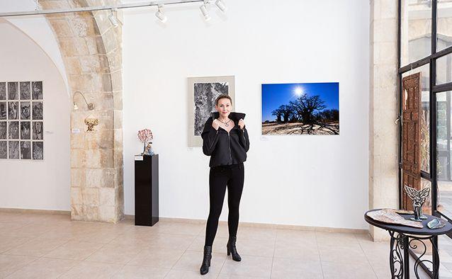 "Exhibition ""Life of a Tree""; Skizza Gallery, Jerusalem House of Quality.  #wystawa #exhibition #KatarzynaSikora #artexhibition #wernisaż #artgallery #KaśkaSikora  #Skizza #Gallery #JerusalemHouseofQuality #Sikora #KaskaPhoto"