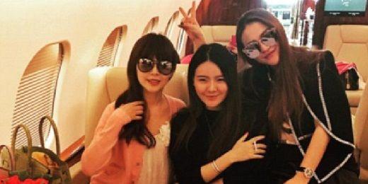 Οι κόρες των κινέζων μεγιστάνων και η χλιδάτη ζωή τους στα κοινωνικά δίκτυα.