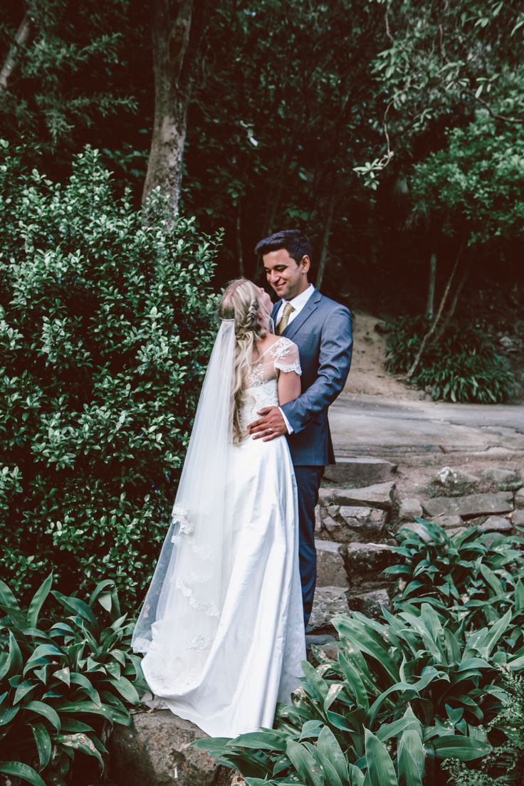 Deanna looking stunning in her Sophie Voon Bridal gown and veil.