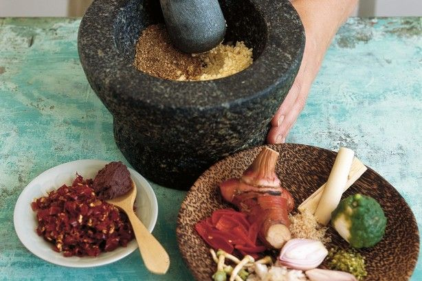 Produce authentic tasting Thai food at home with this superb red curry paste.