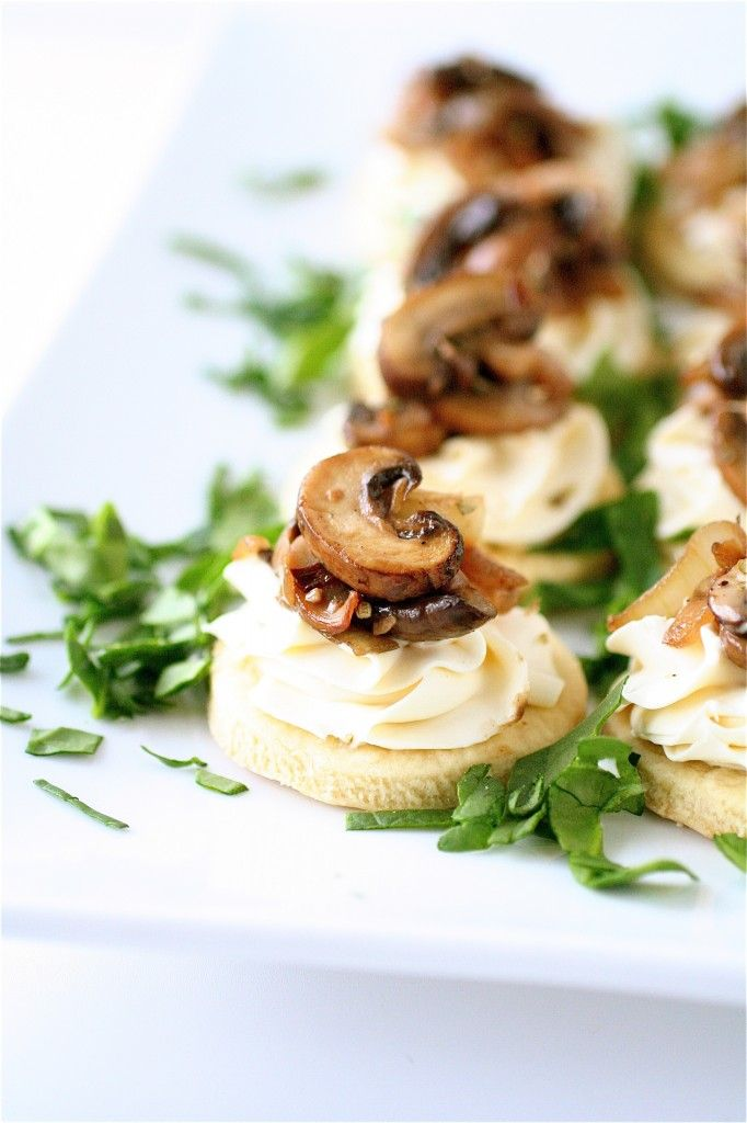 Heaven! Mushroom & Mascarpone Tarts: Recipe, Mushrooms Tarts, Virtual Baby Shower, Marscapon Tarts, Puff Pastries, Curvy Carrots, Christmas Eve, Mascarpone Tarts, Appetizers
