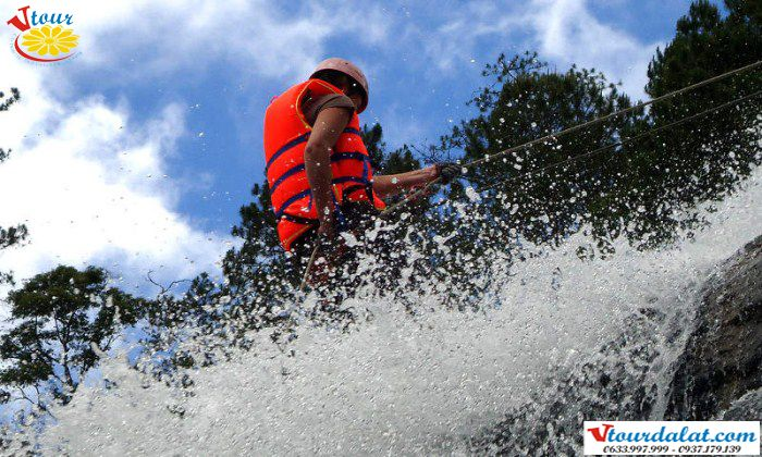 Canyoning with Gold Dream Tours