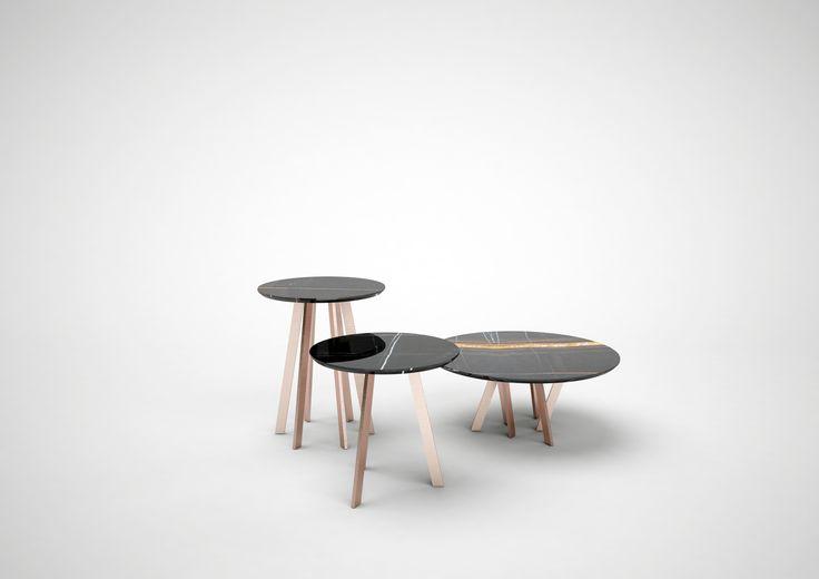 For Hall Coffee Table.  Piccoli tavolini con piano realizzato in ceramica smaltata o riflessata, realizzato a mano con stampi antichi secondo una antica tradizione artigianale faentina