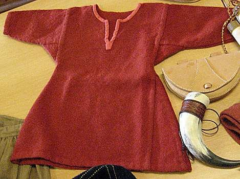 viking tunic showing gores