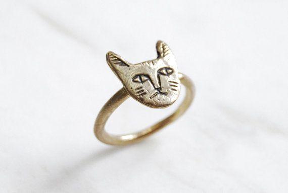Golden cat face ring