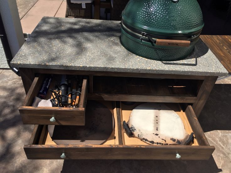 Having Ample Storage Is Essential For The Versatile Big Green Egg. This Is  The XL Max Table.