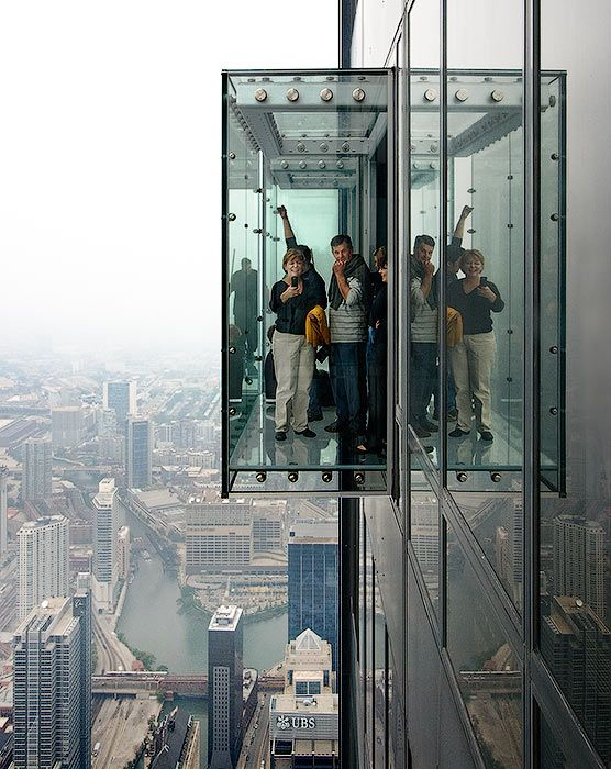 Observation deck skydeck ledge at the willis sears for How many floors are in the sears tower