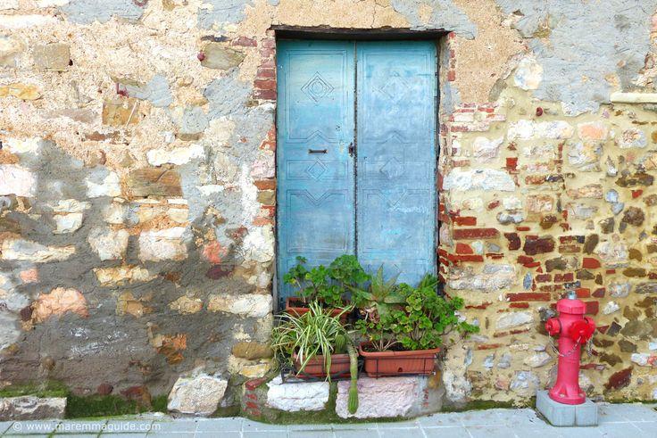 A Tuscany door in Caldana Maremma