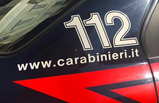 """Arona24 - Ladri in azione nell'aronese, tentato furto in appartamento, """"prelievi"""" da auto rompendo il vetro"""