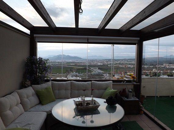 Terraza Atico En Granada Cortina De Cristal Y Techo Fijo Proyecto Realizado En 2020 Diseno De Terraza Cerramientos Terrazas Diseno De Azotea