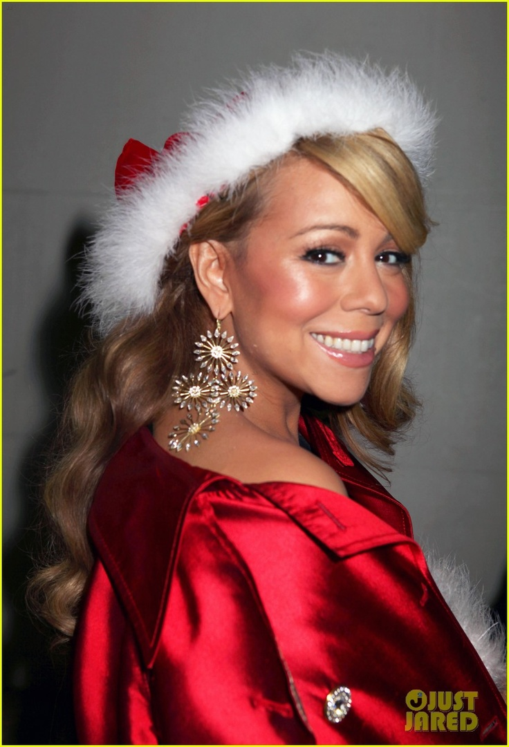 MC is def the queen of Christmas! Her 2 Christmas albums are my soundtrack this time of year.❄️