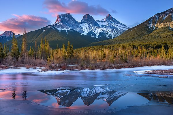 There's something ultimately alluring about lake and river reflections in landscape photography, especially when surrounded by majestic snow capped mountains that glow hot from the light of the setting sun. Here's a little time-lapse video I put together using some of my recent lake reflection still shots in Alberta, Canada. Each frame is from a …