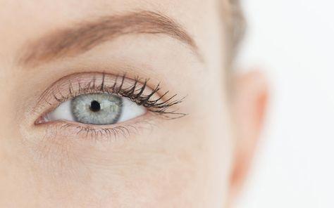 Die Haut rund um die Augen ist empfindlich und bedarf besonderer Pflege. Die neuen Augencremes sind mit Wirkstoffen geladene Power-Pakete – die allerdings richtig angewendet werden wollen, damit sie ihren vollen Effekt entfalten können.