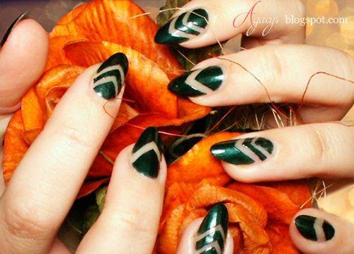 Gorgeous green nail polish from Rimmel