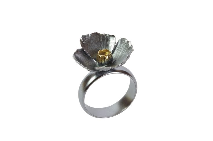 Black Flower Ring  http://susanateixeira.pt/product/black-flower-silver-ring/