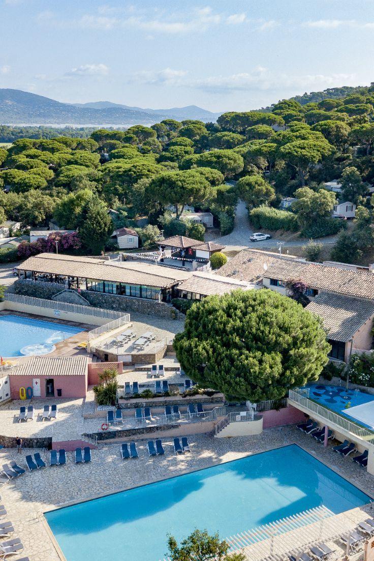 Aan De Golf Van St Tropez Ligt Een Echt Kampeerparadijs Camping Parc Montana Waterpret Er Zijn 2 Grote Verwarmde Zwem Urlaub Frankreich Urlaub Campingurlaub