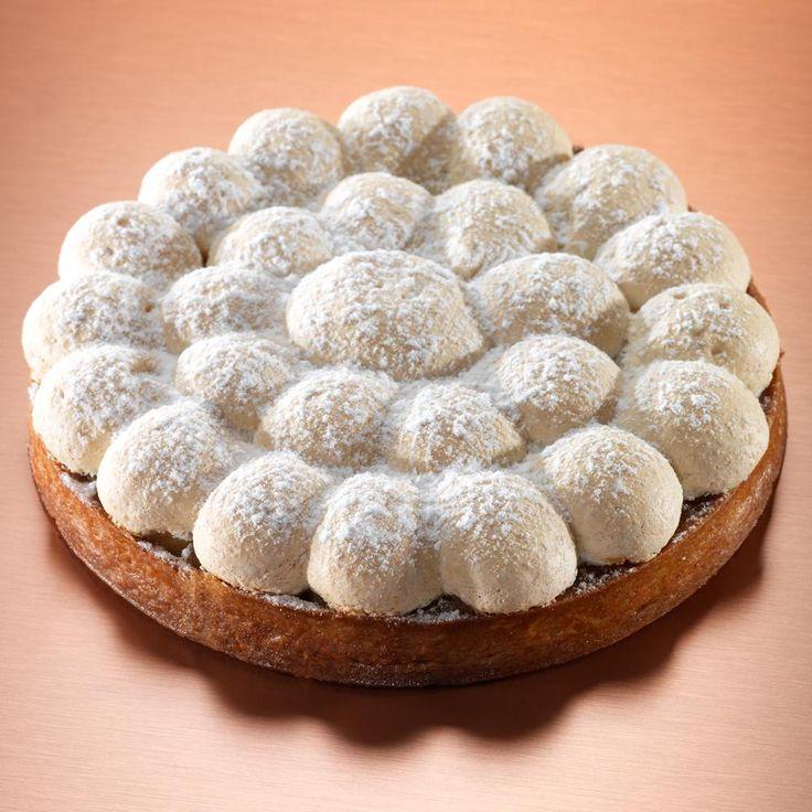 Le chef Thierry Marx vous présente sa Tarte Maître, présente à la carte de sa boulangerie parisienne. Pâte sablée : Mélanger le beurre, le su