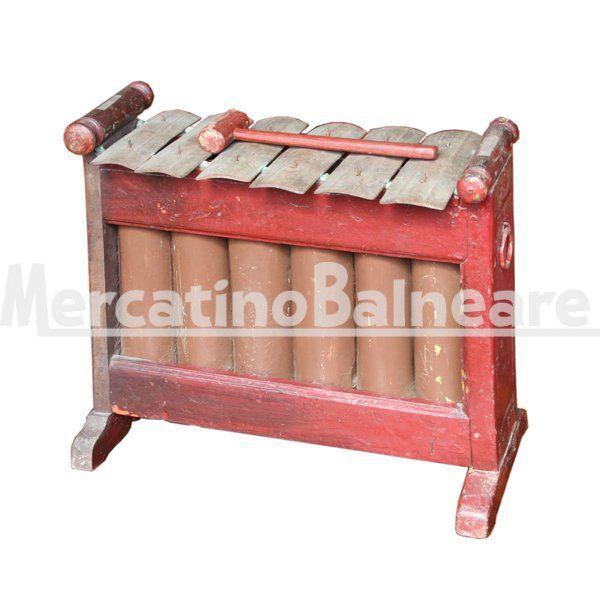 Xilofono rosso in legno recuperato - Mercatino Balneare Xilofono rosso in legno recuperato. Origine: Isola di Bali Dimensioni: cm 51 x 26 x H 46  http://www.mercatinobalneare.it/prodotto/xilofono-rosso-in-legno-recuperato/  #stabilimentobalneare #attrezzaturabalneare #attrezzaturabalneareusata #mercatinobalneare #attrezzaturabalnearenuova #annunciusato #lido #spiaggia #camping