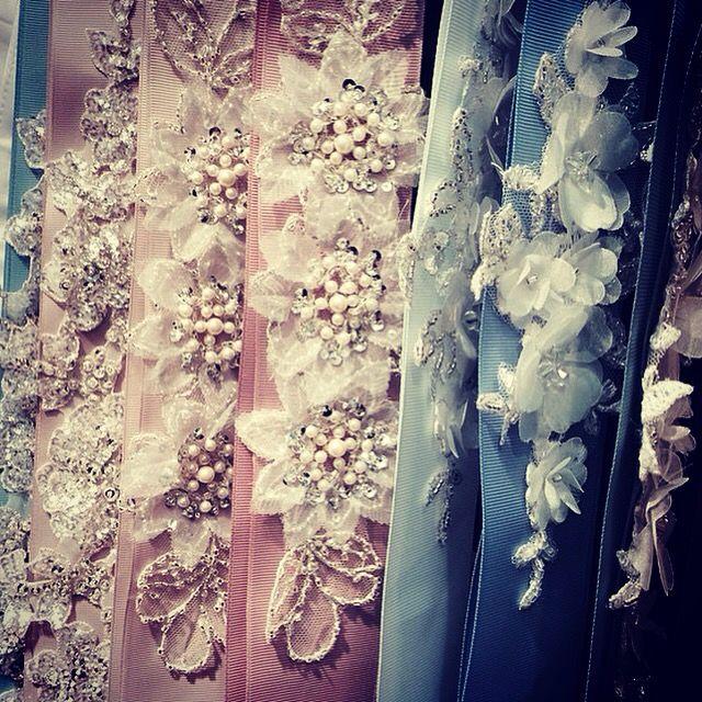 Prachtige #riemen voor je #trouwjurk in onze #winkel in #Zaandam of in onze #Webshop @WomenWantsNL #trouwen #bruid #huwelijk