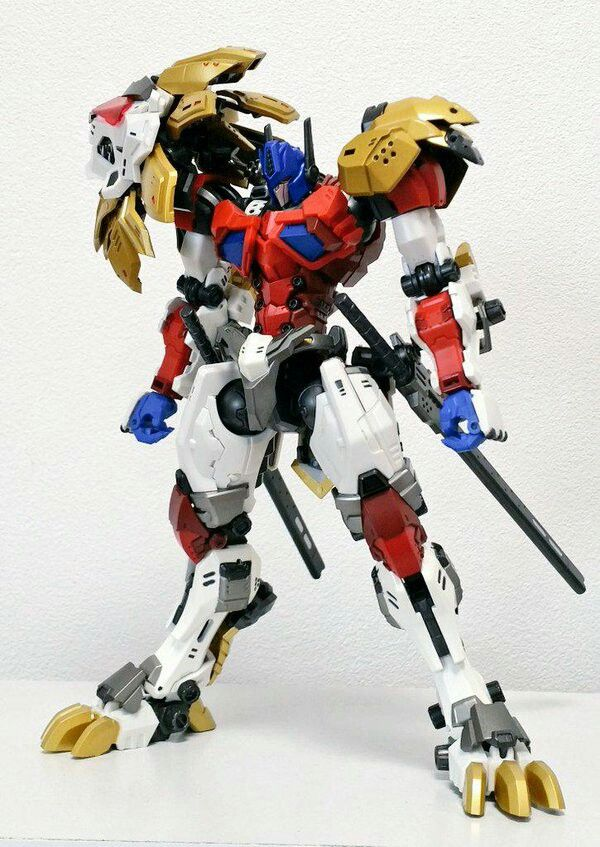 Leonidas deserves its own transformers series with him becoming the new prime