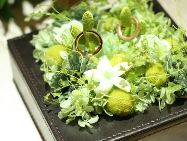 アクセサリまたはウェディング小物のご注文について 緑のリングピロー : 一会 ウエディングの花