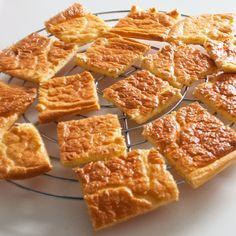 Wie al langer koolhydraatarm eet, zal ze vast wel kennen: de oopsies. Ze zijn een ideale broodvervanger! Je kan ze gebruiken bij het ontbijt of bij de lunch. Je kan ze hartig maken, maar ook …