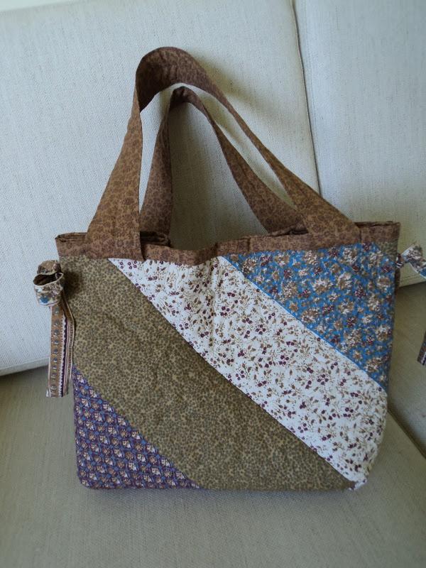 Retalho e Cor: Uma bolsa em patchwork!