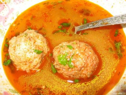 Bozbashi: mildly spicy tomato and herb broth with meatballs made with lamb or beef, rice, and onion.