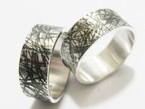 Struktur Ringe mit Wunschgravur 8 mm breit
