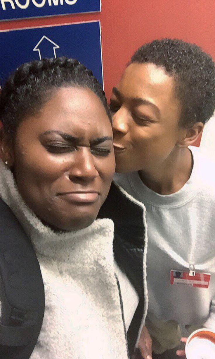 "OITNB: Danielle Brooks's ""Last Moment"" With Samira Wiley Captures All of Your Emotions"