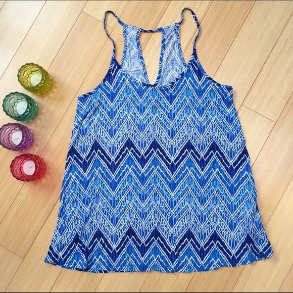 Old Navy tank top, blue and white. Old Navy tank top for summer. Light and cute for summer. Sz medium. Old Navy Tops Tank Tops