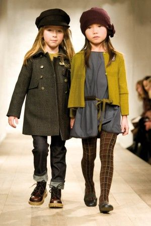 On trend color combos and layers - pairing tights with a dress for fall and winter.